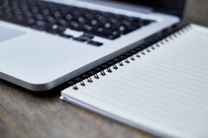 New Findings Inform the Laptop versus Longhand Note-Taking Debate