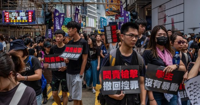 """Summer Reading Contest Winner, Week 4: On 'For Hong Kong's Youth, Protests Are """"a Matter of Life and Death""""'"""