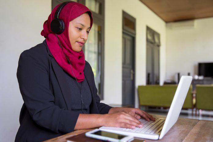 Diverse Representation: Learner Impacts and Strategies in Online Courses
