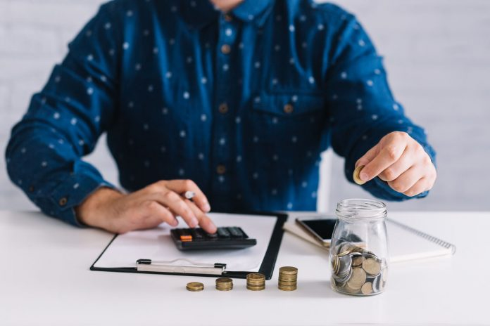 10 Practical Tips to Save Money Everyday